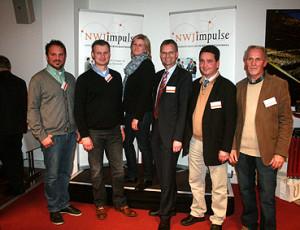 Heiner Nebel (rechts) und seine Referenten: v.l.n.r.: Christian Bredlow (Schlütersche), Karsten Schmidt (htp), Marlene Bloch (enercity), Gerd Kleveman (CT Lloyd) und Karten Feuerhake (Bioclimatic)